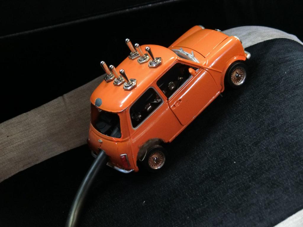 ハイドロミニ 油圧サスペンションのコントローラー
